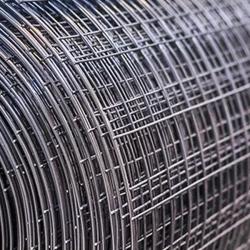 Svařované čtyřhranné pozinkované pletivo 13x13, průměr drátu 1,05 mm